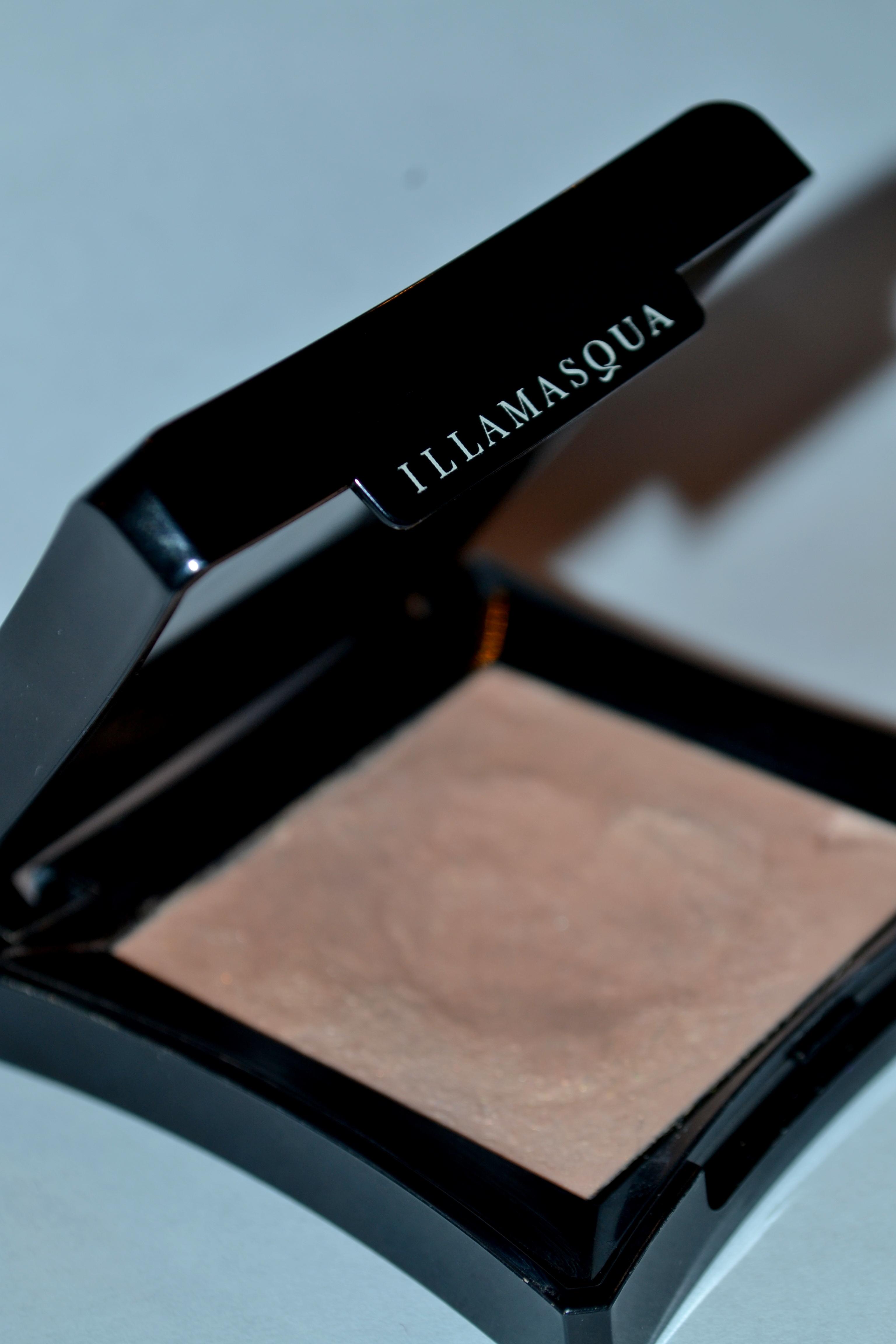 Gleam Reviews Photos: Illamasqua Gleam Review